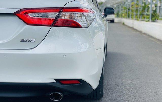 Xe cũ Toyota Camry 2.0E 2019, xe công ty xuất hóa đơn 100%, xe như mới, tiết kiệm hơn 100tr5