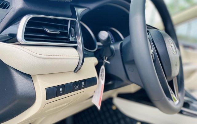 Xe cũ Toyota Camry 2.0E 2019, xe công ty xuất hóa đơn 100%, xe như mới, tiết kiệm hơn 100tr10
