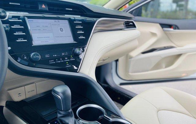 Xe cũ Toyota Camry 2.0E 2019, xe công ty xuất hóa đơn 100%, xe như mới, tiết kiệm hơn 100tr9