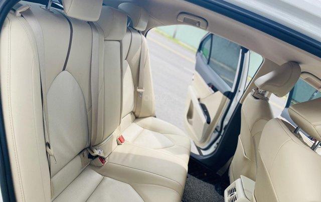 Xe cũ Toyota Camry 2.0E 2019, xe công ty xuất hóa đơn 100%, xe như mới, tiết kiệm hơn 100tr11