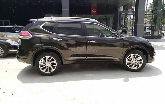 Bán Nissan X trail 2.5 SV Luxury sản xuất 2020, màu nâu0
