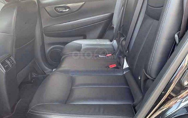 Cần bán Nissan X trail 2.5 SV 4WD đời 2016, màu đen3