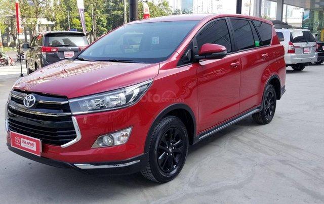 Cần bán xe Toyota Innova Venturer 2.0 6AT màu đỏ gia đình đi 27.000km - xe chính hãng giá tốt1