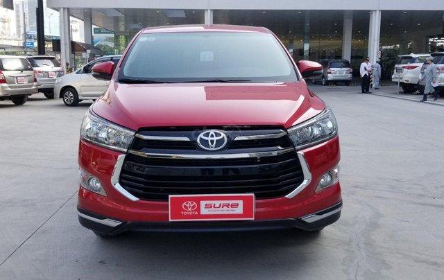 Cần bán xe Toyota Innova Venturer 2.0 6AT màu đỏ gia đình đi 27.000km - xe chính hãng giá tốt0