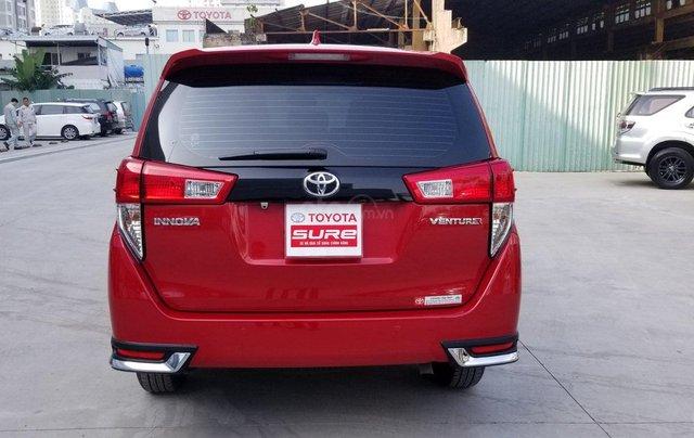Cần bán xe Toyota Innova Venturer 2.0 6AT màu đỏ gia đình đi 27.000km - xe chính hãng giá tốt4