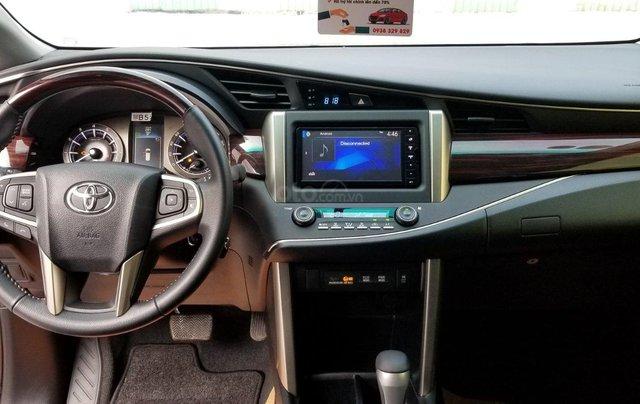 Cần bán xe Toyota Innova Venturer 2.0 6AT màu đỏ gia đình đi 27.000km - xe chính hãng giá tốt8