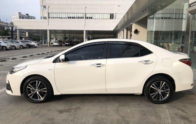 Cần bán xe Toyota Altis 2.0V 2017, màu trắng công ty. XHĐ đi 22.000km - xe chất giá tốt2