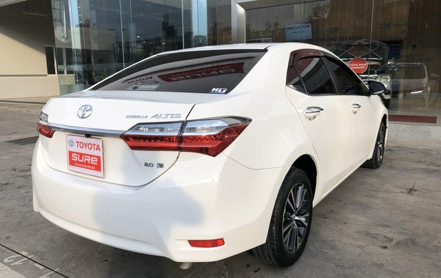 Cần bán xe Toyota Altis 2.0V 2017, màu trắng công ty. XHĐ đi 22.000km - xe chất giá tốt4