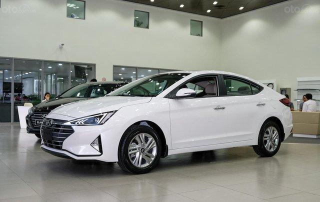Hyundai Elantra 1.6 AT ưu đãi cực lớn + giảm ngay 50% thuế trước bạ + quà tặng hấp dẫn3