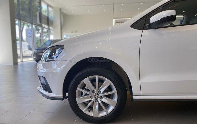 Giảm lớn 69,5 triệu và nhiều quà tặng khi mua Polo Hatchback màu trắng - Đặt hàng ngay2