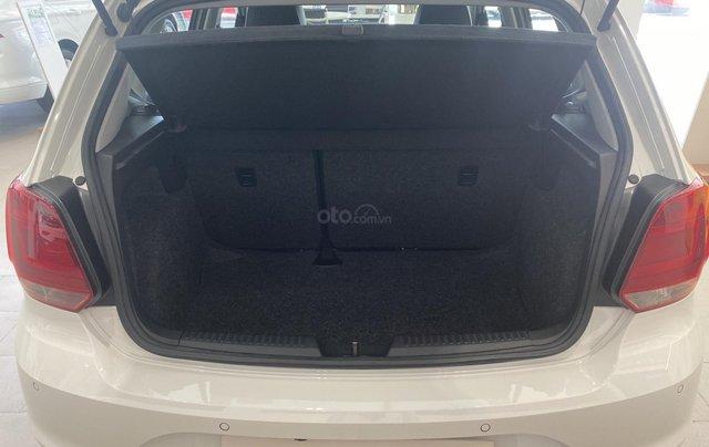 Giảm lớn 69,5 triệu và nhiều quà tặng khi mua Polo Hatchback màu trắng - Đặt hàng ngay10
