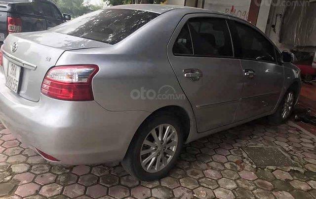 Cần bán lại xe Toyota Vios sản xuất năm 2011, màu bạc xe gia đình, giá 285tr1