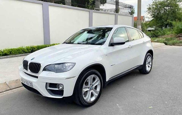 Cần bán gấp BMW X6 năm 2013, màu trắng, nhập khẩu còn mới0