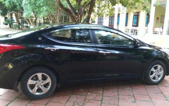Bán xe Hyundai Elantra đời 2013, số sàn, giá rẻ0