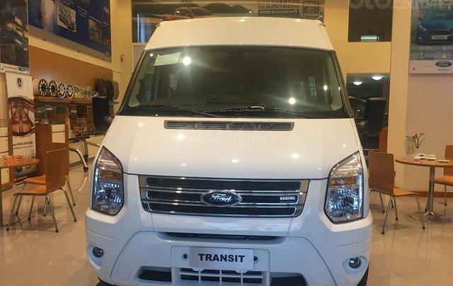 Xe Ford Transit SVP 2020, màu trắng4