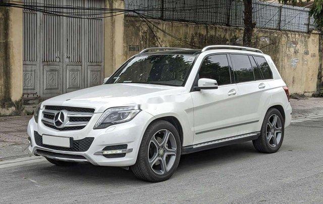 Bán xe Mercedes sản xuất năm 2014, màu trắng, máy dầu0