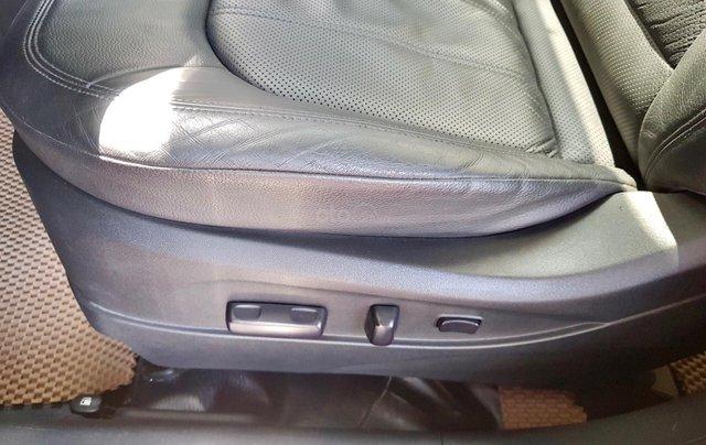 Cần bán xe Hyundai Tucson sản xuất 2010, máy dầu bản full8