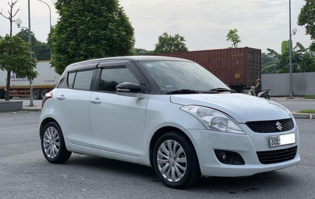 Bán ô tô Suzuki Swift màu trắng0