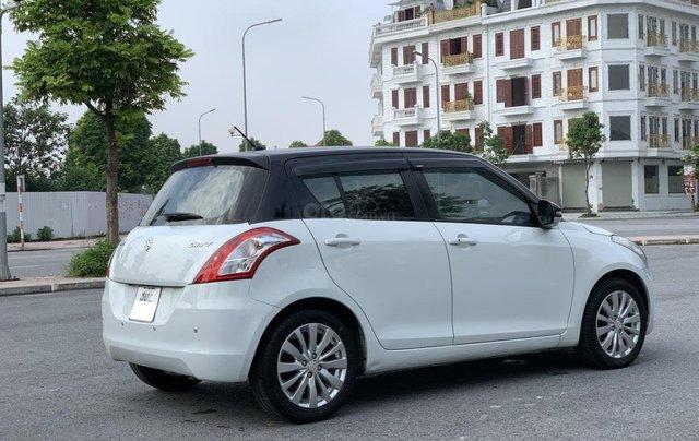 Bán ô tô Suzuki Swift màu trắng3