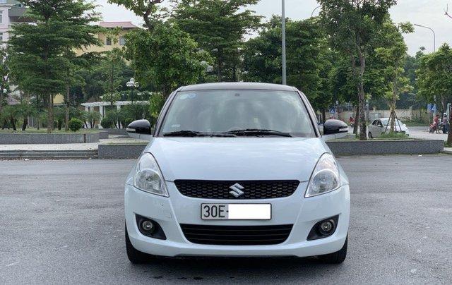 Bán ô tô Suzuki Swift màu trắng5