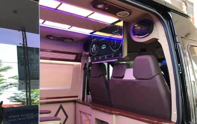Bán xe Ford Transit SVP đời 2020, màu trắng5