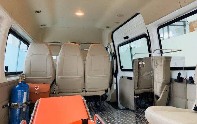 Bán xe Ford Transit SVP đời 2020, màu trắng1