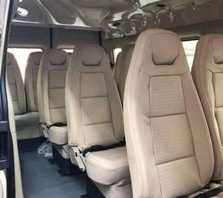 Bán xe Ford Transit SVP đời 2020, màu trắng4