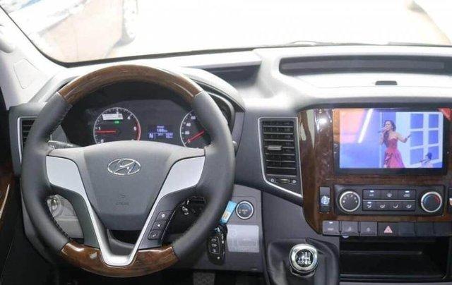 Bán xe Ford Transit SVP đời 2020, màu trắng8