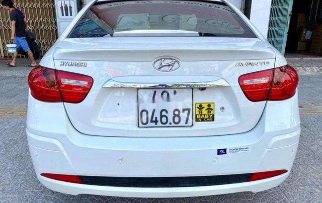 Bán Hyundai Avante sản xuất năm 2012, màu trắng, nhập khẩu  4