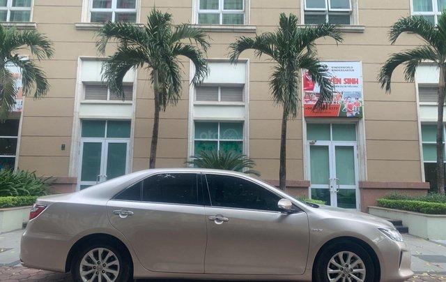 Cần bán lại xe Toyota Camry 2.0E đời 2016 biển Hà Nội0