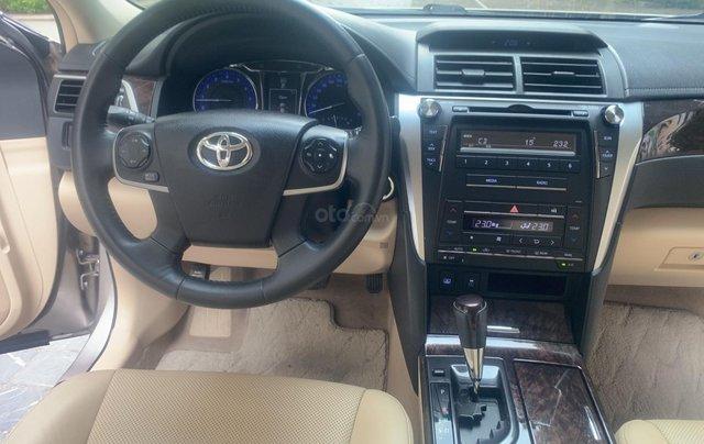 Cần bán lại xe Toyota Camry 2.0E đời 2016 biển Hà Nội7
