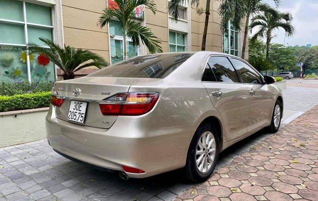 Cần bán lại xe Toyota Camry 2.0E đời 2016 biển Hà Nội12