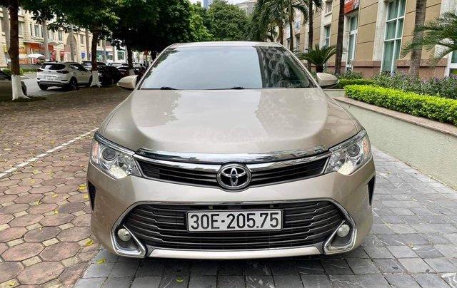 Cần bán lại xe Toyota Camry 2.0E đời 2016 biển Hà Nội9