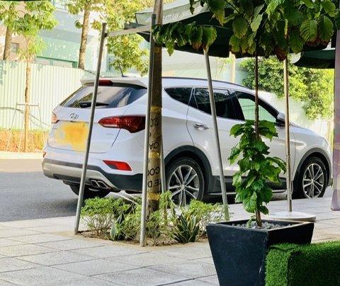 Bán Hyundai Santa Fe sản xuất năm 2016, màu trắng1