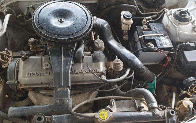 Bán Mazda 323 năm sản xuất 1995, màu trắng, máy 1.6 tiết kiệm xăng4