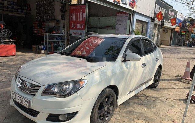 Cần bán gấp Hyundai Avante năm 2012, chính chủ0