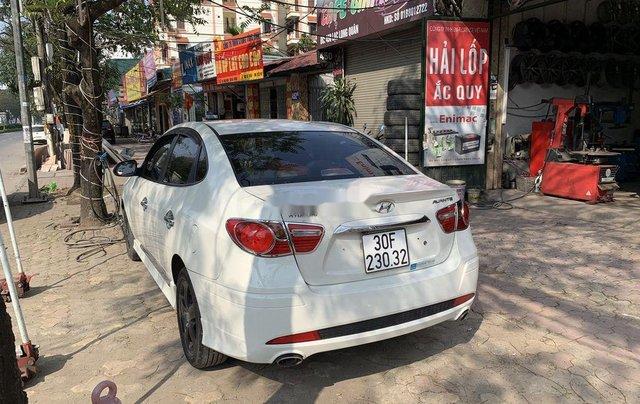 Cần bán gấp Hyundai Avante năm 2012, chính chủ1
