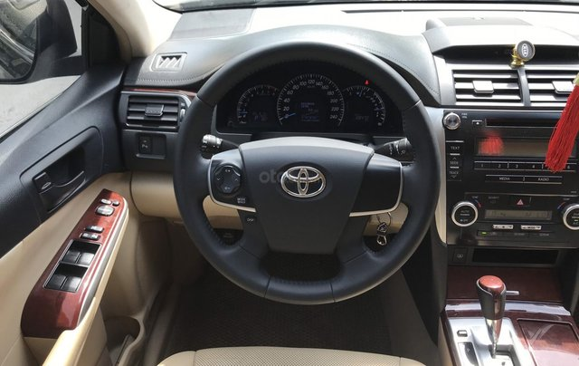 Xe Toyota Camry 2.5 G SX 2013, xe biển HN8
