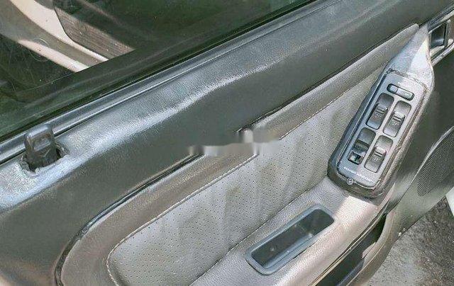 Cần bán gấp Mazda 323 đời 1995, màu trắng8