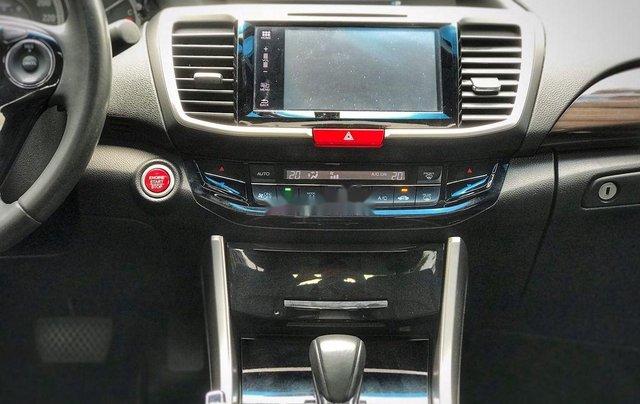 Bán xe Honda Accord sản xuất 2018, màu xám, nhập khẩu nguyên chiếc, giá 939tr4
