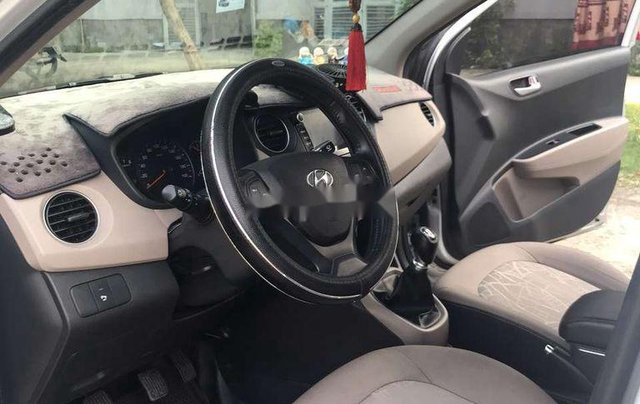 Bán Hyundai Grand i10 đời 2017, màu bạc, xe nhập chính chủ, giá chỉ 275 triệu2
