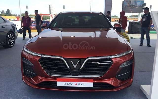 Xe VinFast Lux A2.0 2.0 AT 20200