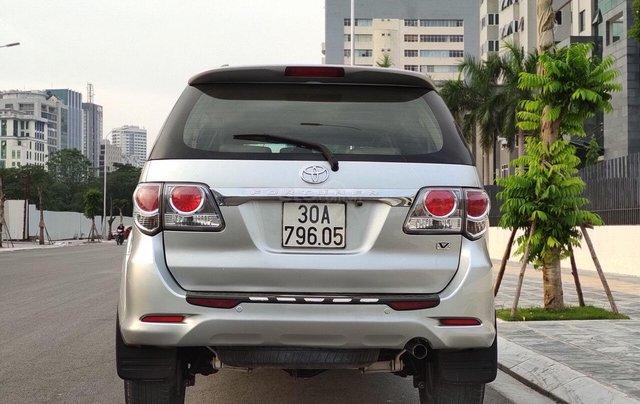 Cần bán nhanh xe Toyota Fortuner sản xuất năm 2013, giá chỉ 555 triệu5