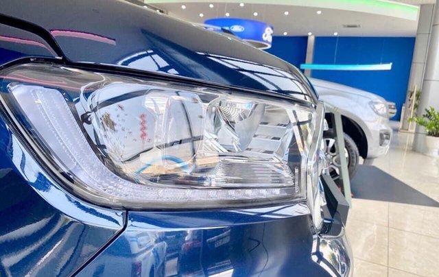 Ford Everest 2020 giảm giá khủng trong tháng, tặng nhiều phụ kiện, giao xe ngay2