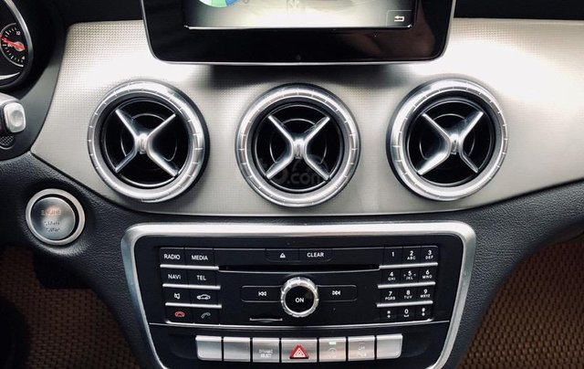 Bán Mercedes Benz CLA 200 2018 xe đẹp, bao check hãng5