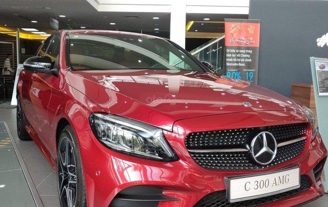 Xe lưu kho đại lý - C300 AMG 2019 đỏ, mới 100%, chỉ đóng 2% thuế trước bạ như xe cũ2