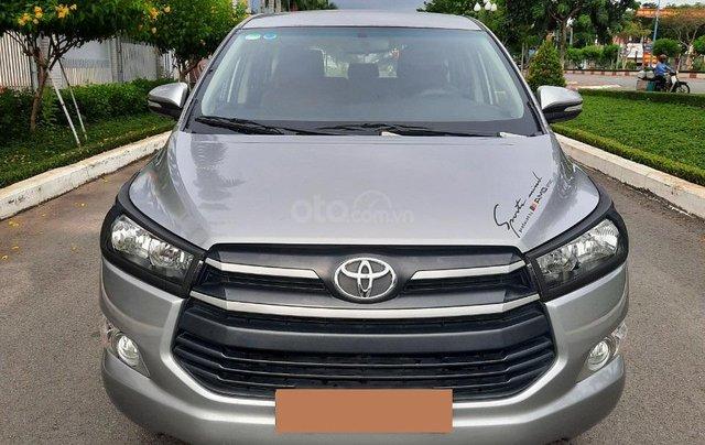 Cần bán Toyota Innova 2016, số sàn màu bạc giá 535tr0