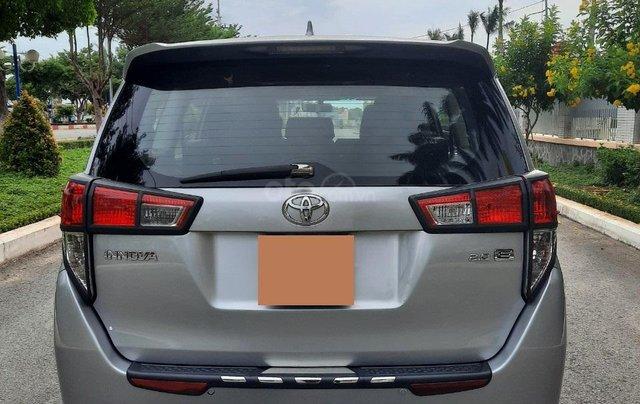 Cần bán Toyota Innova 2016, số sàn màu bạc giá 535tr4