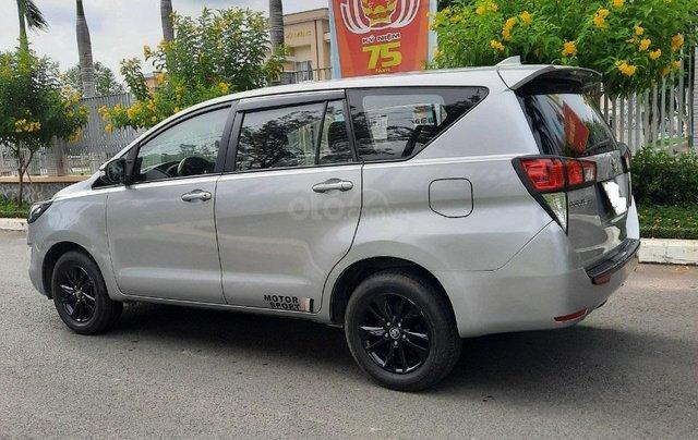 Cần bán Toyota Innova 2016, số sàn màu bạc giá 535tr5