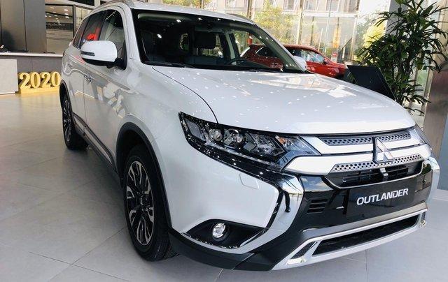 [Hot]Mitsubishi Outlander 2.0 Premium 2020, giảm ngay 50% TTB, giảm giá tiền mặt, tặng phụ kiện chính hãng, giao xe ngay3